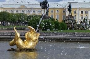 В Петергофе фонтаны заработают в конце апреля