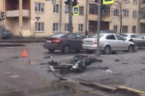 На пересечении проспекта Гагарина и Кузнецовской улицы сбили мотоциклиста и велосипедиста