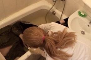 В Петербурге в ванной одной из квартир обнаружили тело мужчины