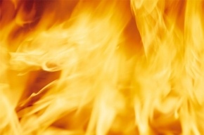 45 человек тушили пожар в Петродворцовом районе
