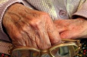 В Петербурге поймали трех мужчин, которые избили пенсионерку до смерти