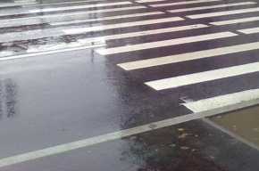 В Стрельне на пешеходном переходе сбили 15-летнюю девушку