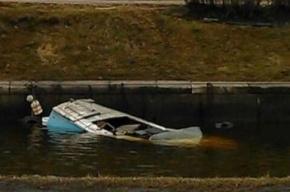 На Карповке затонул бесхозный катер