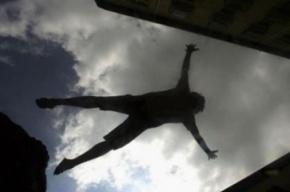В Сосновом Бору подросток упал с седьмого этажа строящегося здания
