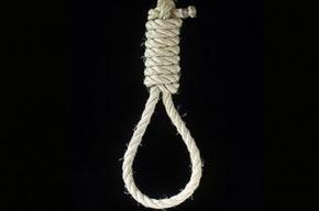 На улице Беринга нашли 16-летнюю самоубийцу