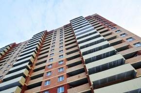 23-летний мужчина упал с 16 этажа в Кировском районе Петербурга