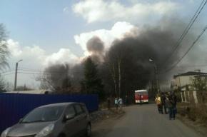 Очевидцы: в Красносельском районе серьезный пожар