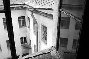 Приезжая выбросилась из окна борделя в центре Петербурга