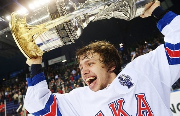 Нападающий СКА Артемий Панарин подписал контракт с «Чикаго» из НХЛ