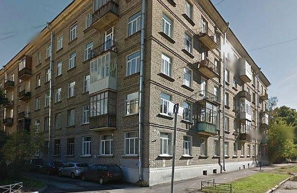На улице Зайцева подросток сорвался с крыши, пытаясь сделать селфи