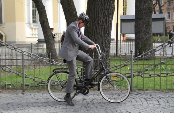 Финские дипломаты будут ездить по Петербургу на велосипедах