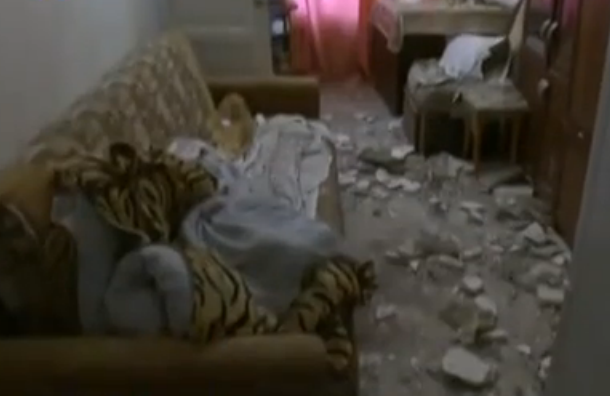 В Петербурге на спящую пенсионерку упал потолок