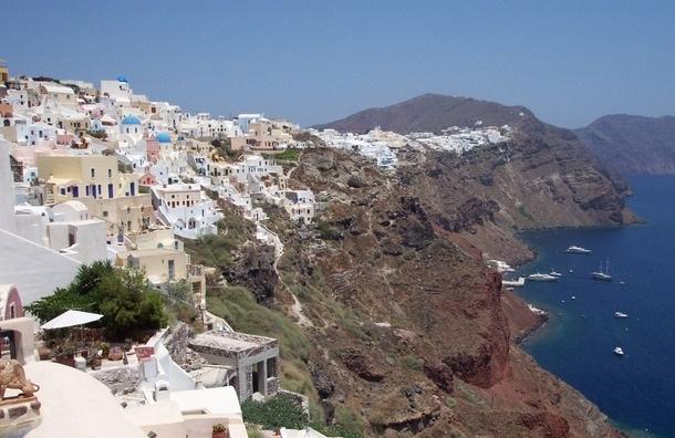 15 туристов из России пострадали на Крите от удара молнией