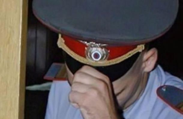 Полицейский применил физическую силу при задержании буйной посетительницы ресторана