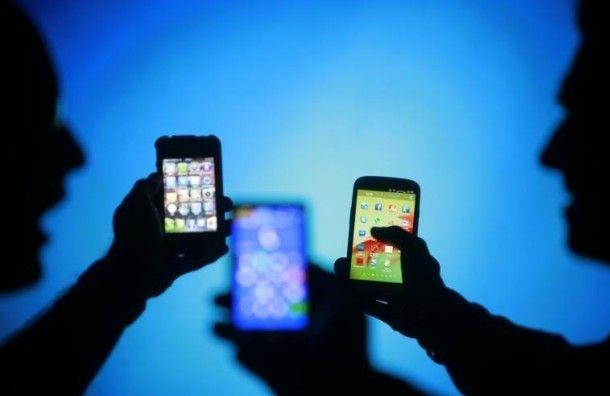 Болезнь 21 века – ученые выявили новую форму зависимости - от смартфонов