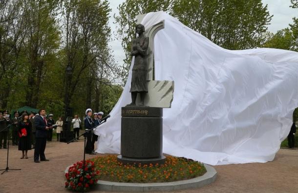 В Палевском саду открыт памятник Ольге Берггольц