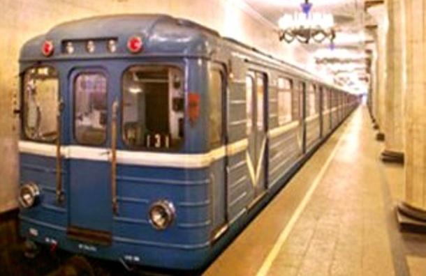 В День Петербурга работа метро и автобусов будет продлена