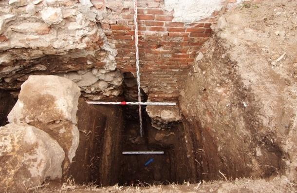 Археологи сделали неожиданные находки на территории Выборгского замка