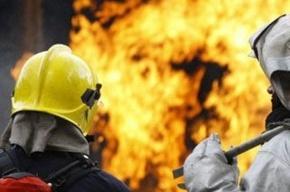 На Новодеревенской улице сгорел цех мебельного завода