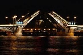Грядущей ночью Благовещенский мост будет разведен дольше обычного