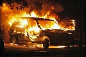 В Купчино ночью загорелась машина «ВАЗ 2108»