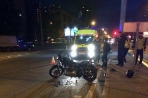В Петербурге мотоциклист сбил пешехода