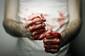 Трое приезжих, сняв комнату в Петербурге, до смерти избили своего арендодателя