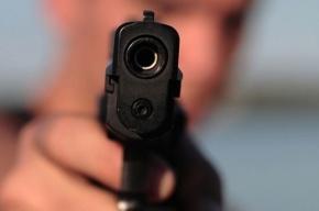На улице Тухачевского студент, угрожая пистолетом, отобрал у подростков телефоны