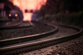 В Колпино женщина попала под поезд.