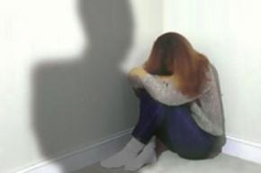 В Петербурге студентку колледжа изнасиловал неизвестный в квартире её отца