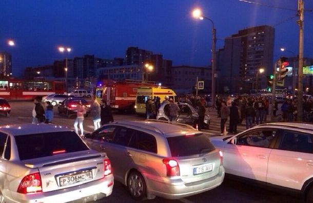 В Петербурге машина полиции попала в массовое ДТП