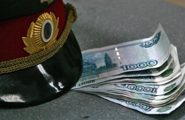 Двое сотрудников ДПС попались на получении взятки в 50 тысяч рублей