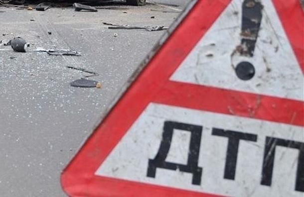 Авария на МКАД сейчас: бензовоз столкнулся с грузовиком