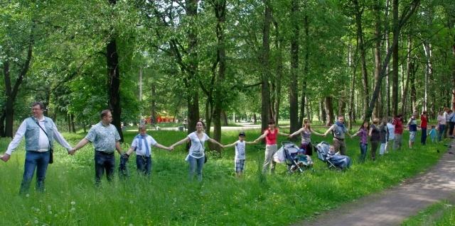 Флеш-моб в защиту Удельного парка, 20.06.15, фото: Виктория Андреева: Фото