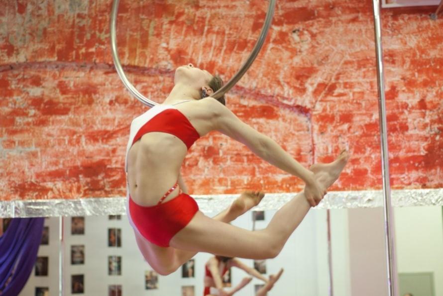 гимнастика на кольце