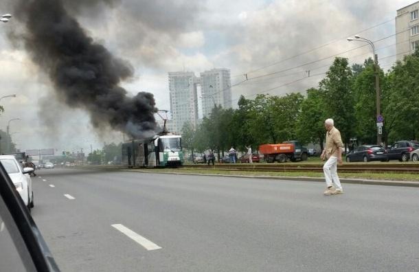 Трамвай нового образца загорелся в Санкт-Петербурге