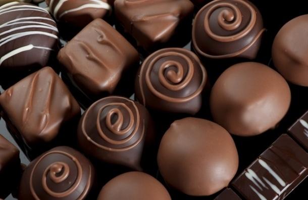 Минсельхоз может запретить ввоз цветов и сладостей из-за расширения продовольственного эмбарго