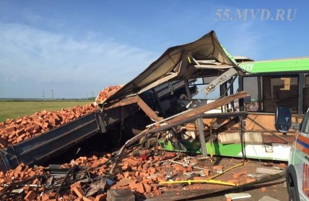 Две аварии под Омском за сутки унесли жизни больше 20 человек
