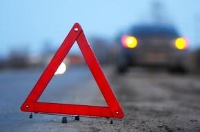 В Колпино автомобиль врезался в автобус: пострадал человек