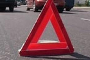 В аварии на Лахтинском проспекте пострадали 11 рабочих