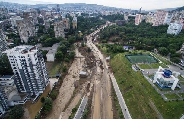 Крокодилы на улицах, жертвы и миллионы долларов ущерба - результаты наводнения в Грузии