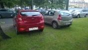 Парковка на газонах на улице Академика Лебедева, 6 А: Фоторепортаж