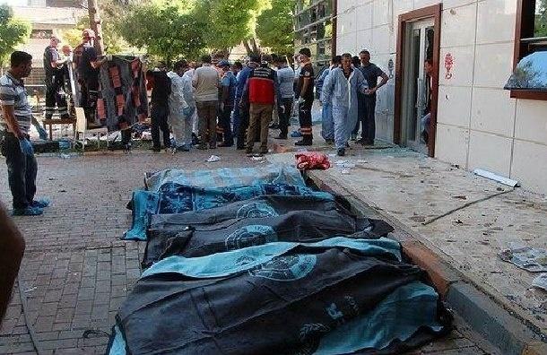 Власти Турции опознали смертника, устроившего взрыв в Турции