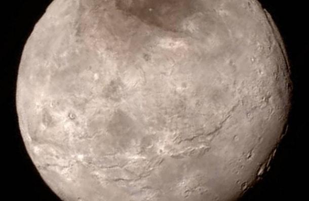 Станция New Horizons отправила на Землю снимки с Плутона