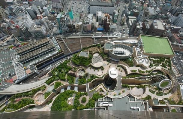 Парадоксы мегаполиса: стоять в пробках и гулять на крыше