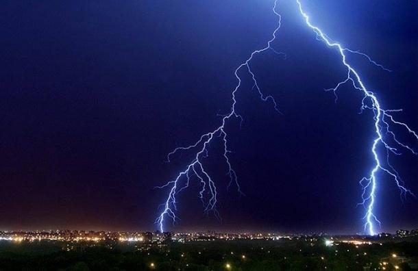 В Москве местный житель погиб от удара молнии
