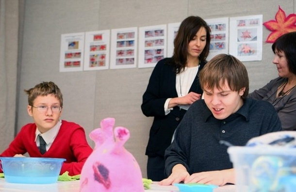 В Петербурге пройдет благотворительный фестиваль «Антон тут рядом»