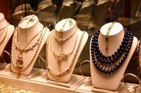 В Петергофе неизвестный ограбил ювелирный магазин