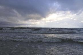 В Кронштадте автомобиль утонул в Финском заливе