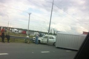 На Московском шоссе перевернулся микроавтобус